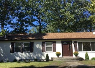 Pre Foreclosure in Hopatcong 07843 YORK RD - Property ID: 1460937317