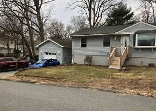 Pre Foreclosure in Hopatcong 07843 IDALROY TRL - Property ID: 1460943453