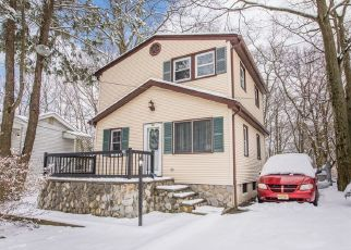 Pre Foreclosure in Hopatcong 07843 LEBANON TRL - Property ID: 1460953975
