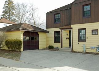 Pre Foreclosure in Greendale 53129 DALE LN - Property ID: 1461140542