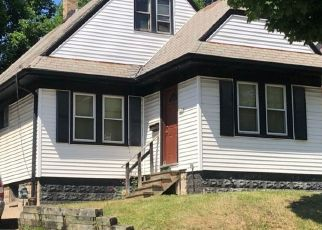 Pre Foreclosure in Milwaukee 53208 W RODER CT - Property ID: 1461146228