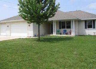 Pre Foreclosure in Sheboygan Falls 53085 COLUMBINE LN - Property ID: 1461164185