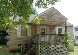 Pre Foreclosure in Glasgow 24555 ANDERSON ST - Property ID: 1461237779