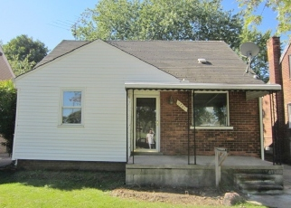 Pre Foreclosure in Lincoln Park 48146 CLEVELAND AVE - Property ID: 1461281571