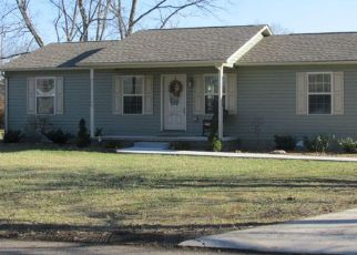 Pre Foreclosure in Sparta 38583 HOWELL ST - Property ID: 1461904814