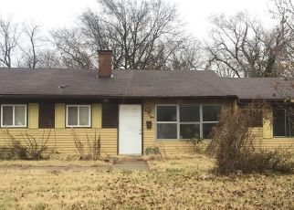 Pre Foreclosure in East Saint Louis 62203 RUSSELL AVE - Property ID: 1462336203