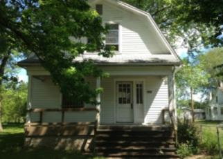 Pre Foreclosure in East Saint Louis 62203 CHURCH LN - Property ID: 1462391841