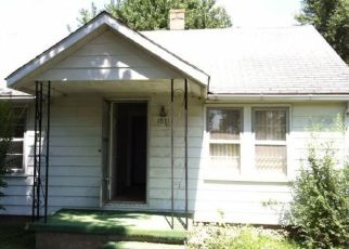 Pre Foreclosure in East Saint Louis 62206 HARVEST AVE - Property ID: 1462763676