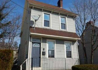 Pre Foreclosure in Woodbury 08096 E BARBER AVE - Property ID: 1463254199