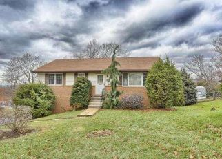 Pre Foreclosure in Reading 19604 RESERVOIR RD - Property ID: 1463297116