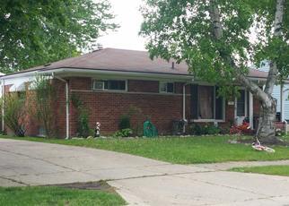 Pre Foreclosure in Pontiac 48340 E NEWPORT AVE - Property ID: 1463810879