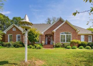 Pre Foreclosure in Greensboro 27410 STARMOUNT DR - Property ID: 1463888835