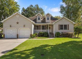 Pre Foreclosure in Elizabeth City 27909 EDGEWOOD DR - Property ID: 1464000965