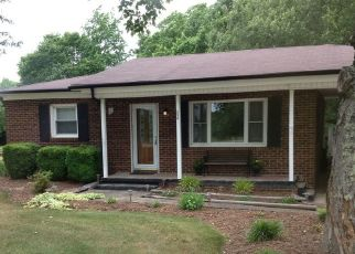 Pre Foreclosure in Troutman 28166 FLOWER HOUSE LOOP - Property ID: 1464067520