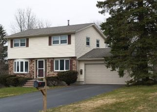 Pre Foreclosure in Camillus 13031 CANTERBURY DR - Property ID: 1464110892