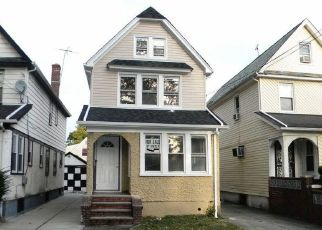 Pre Foreclosure in Hollis 11423 202ND ST - Property ID: 1464113959