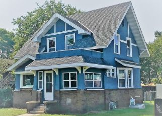 Pre Foreclosure in Minneapolis 55407 COLUMBUS AVE - Property ID: 1464936464