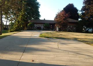 Pre Foreclosure in Harrison Township 48045 S RIVER RD - Property ID: 1464972823