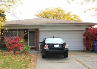 Pre Foreclosure in Warren 48088 MOULIN AVE - Property ID: 1465037185