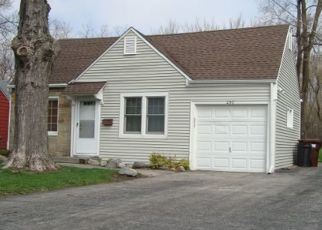 Pre Foreclosure in Crystal Lake 60014 W CRYSTAL LAKE AVE - Property ID: 1465204497