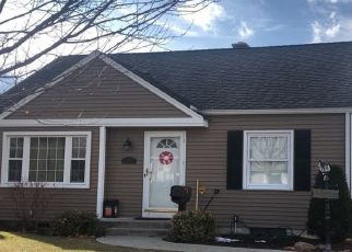 Pre Foreclosure in Springfield 01118 DERRYFIELD AVE - Property ID: 1465266698