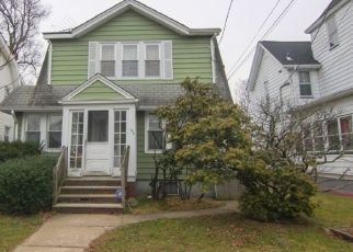 Pre Foreclosure in Belleville 07109 HOLMES ST - Property ID: 1465904831