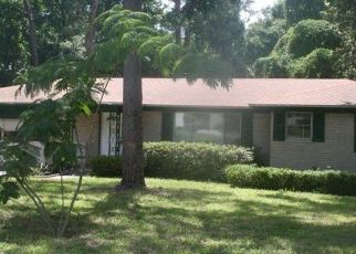 Pre Foreclosure in Jacksonville 32211 BORDEAU AVE W - Property ID: 1466067306