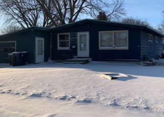 Pre Foreclosure in Spencer 51301 E 10TH ST - Property ID: 1466124693