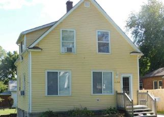 Pre Foreclosure in Davenport 52804 W 16TH ST - Property ID: 1466135186