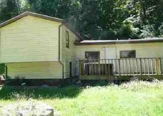 Pre Foreclosure in Dubuque 52003 MASSEY STATION RD - Property ID: 1466141771