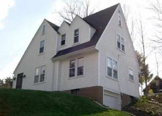 Pre Foreclosure in Dubuque 52001 WINDSOR AVE - Property ID: 1466241179