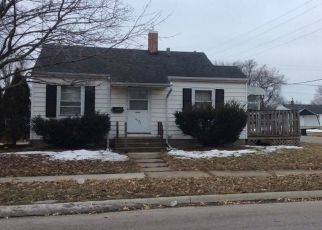 Pre Foreclosure in Waterloo 50702 HAWTHORNE AVE - Property ID: 1466328337