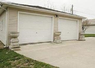Pre Foreclosure in Hiawatha 52233 OAK ST - Property ID: 1466334921