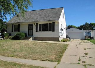 Pre Foreclosure in Cedar Rapids 52404 PRIMROSE LN SW - Property ID: 1466355947