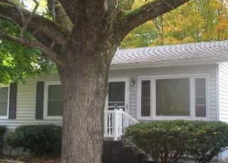 Pre Foreclosure in Covington 47932 LEWIS LN - Property ID: 1466409368