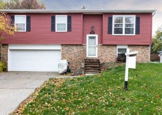 Pre Foreclosure in Valparaiso 46383 HOLLANDALE DR - Property ID: 1466445278