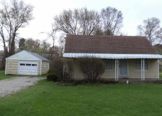 Pre Foreclosure in South Bend 46637 E WILLOW DR - Property ID: 1466582816