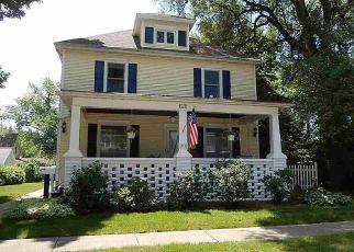 Pre Foreclosure in Clinton 61727 E JEFFERSON ST - Property ID: 1466743545