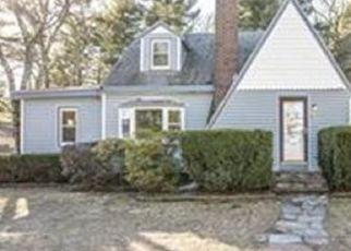 Pre Foreclosure in Wareham 02571 SWIFTS BEACH RD - Property ID: 1466985299