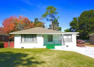 Pre Foreclosure in Pensacola 32503 E HAYES ST - Property ID: 1467146930