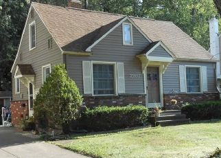 Pre Foreclosure in North Olmsted 44070 FRANK ST - Property ID: 1467732936