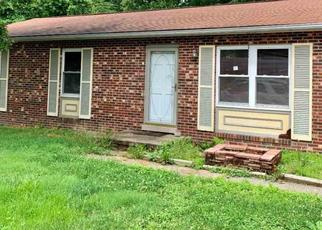 Pre Foreclosure in Huntington 25701 SKY OAK DR - Property ID: 1468106517