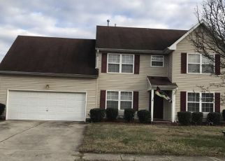 Pre Foreclosure in Portsmouth 23703 GOLDEN EAGLE PT - Property ID: 1468420545