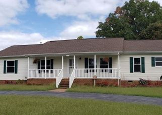 Pre Foreclosure in Water View 23180 WATER VIEW RD - Property ID: 1468441120