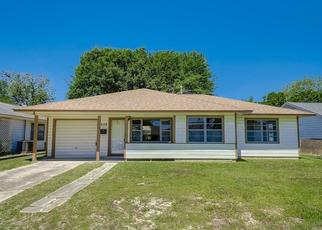 Pre Foreclosure in Baytown 77520 S CIRCLE DR - Property ID: 1469065239