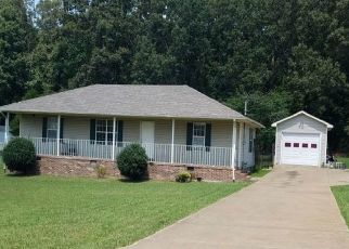 Pre Foreclosure in Lawrenceburg 38464 MICHAEL CIR - Property ID: 1469333728