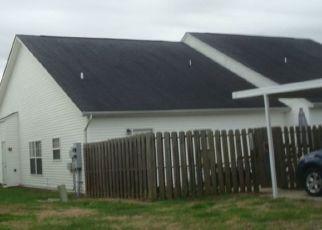 Pre Foreclosure in Spring Hill 37174 BRIGGS LN - Property ID: 1469346421