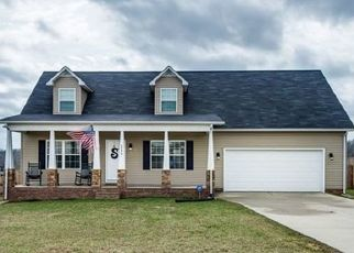 Pre Foreclosure in Cookeville 38501 ELLEN CIR - Property ID: 1469347289