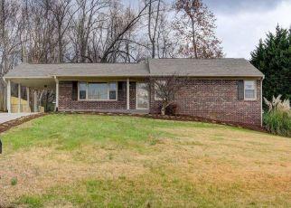 Pre Foreclosure in Clinton 37716 CREST LN - Property ID: 1469351230