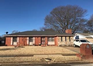 Pre Foreclosure in Memphis 38109 VICKIE DR - Property ID: 1469417820